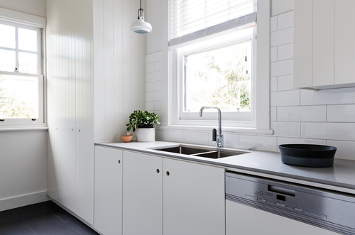 White Subway Tile in Vancouver Kitchen Backsplash