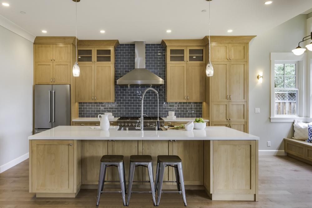 counter-to-ceiling backsplash design