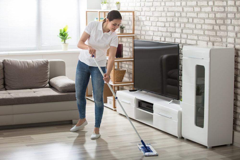 Clean Hardwood Floors - FCI Cleveland West